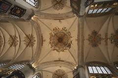 Grote Kerk van Breda (M@rkec) Tags: nederland nl breda kerk brabant plafond noordbrabant onzelievevrouwkerk bladgoud grotekerkvanbreda vijftiendeeeuw 250410 bredameetup20100425 naussaukerk