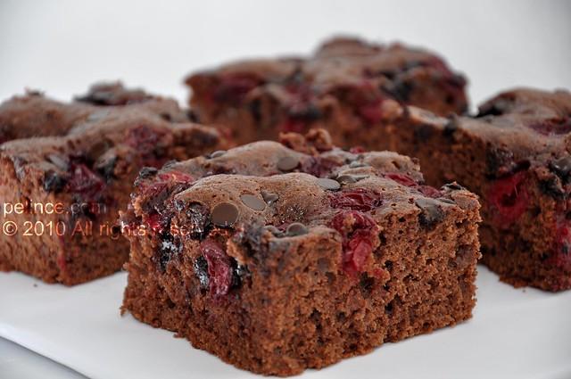 Vişneli & Damla Çikolatalı Kek