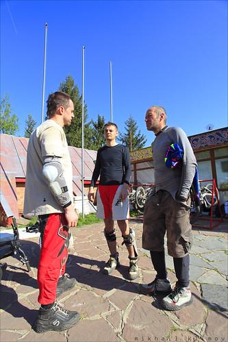 Den, Konstantin and Grigory Travin