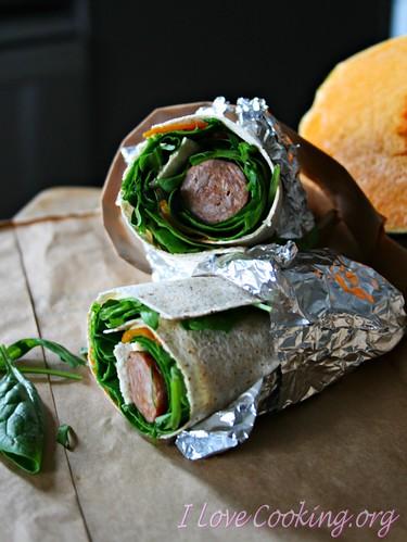 Wraps con zucca, erbette, salsiccia e parmigiano