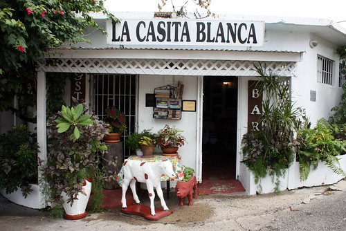 "4589206137_e0c3668f07 Get Treated Like a Celebrity ""La Casita Blanca"""
