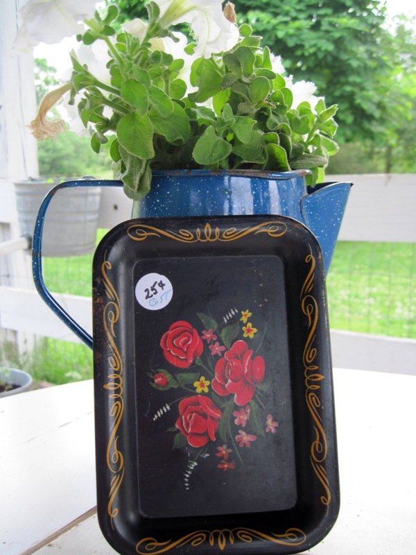 Small rose tin tray