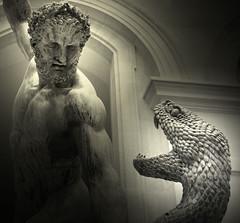 Hercule combattant Achéloüs métamorphosé en serpent (Yvan LEMEUR) Tags: sculpture paris art statue bronze louvre escultura serpent estatua hercule bosio ovide achéloüs lesmétamorphoses déjanire carbonneaux