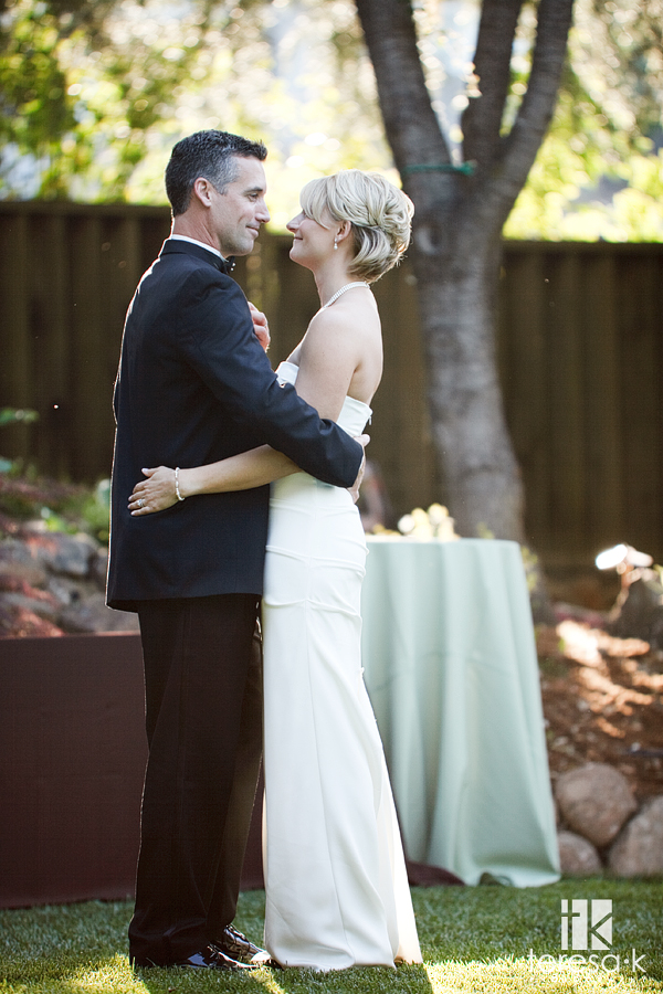 Elegant backyard reception in Saratoga by Teresa K photography, Northern California Wedding photographer