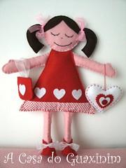 Boneca / Doll? (A.casa.do.Guaxinim) Tags: red doll heart felt vermelho coraes plushies softies feltro boneca craftylittledevils