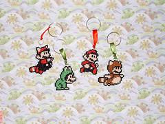Mario Bros - Chaveiros de ponto-cruz (inversecraft) Tags: crossstitch mario nes supermario pontocruz