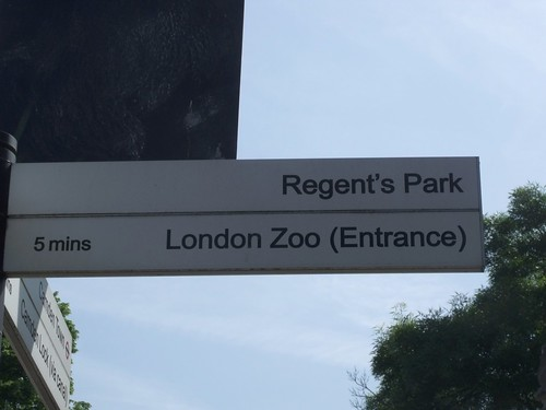 Sign to London Zoo (Entrance) and Regent