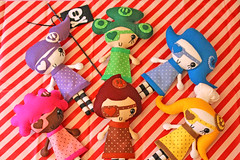 PiraNuts (Ana Camamiel) Tags: cute skull dolls colours handmade pirates felt polkadots kawaii patch piratas muecas calavera parches fieltro piranuts