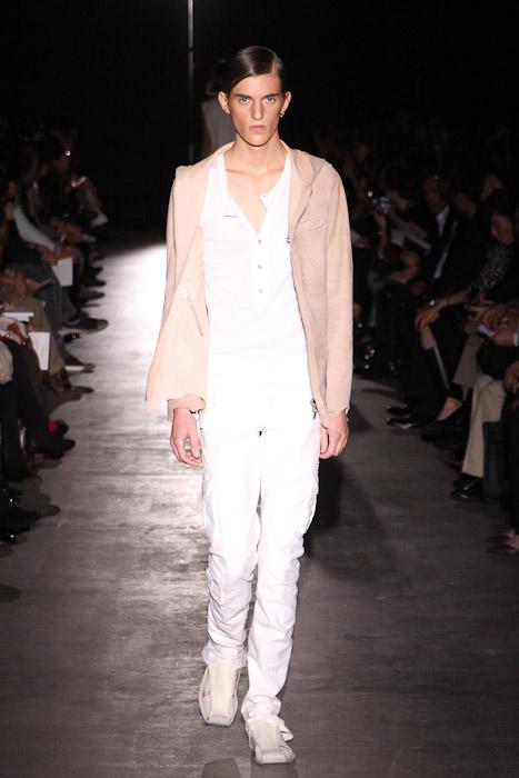 Gabriel Gronvik3098_SS11_Tokyo_corazon del alma(Fashionsnap)