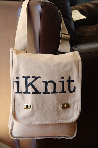 iKnit messenger Bag at Yarn Play Café