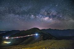 合歡山主峰.武嶺.松雪樓~車軌銀河~  Milkyway (Shang-fu Dai) Tags: 台灣 taiwan 南投 nikon d800e sky landscape formosa galaxy 銀河 星空 afs1635mmf4 milkyway 合歡山 3417m hehuan 夜景 車軌