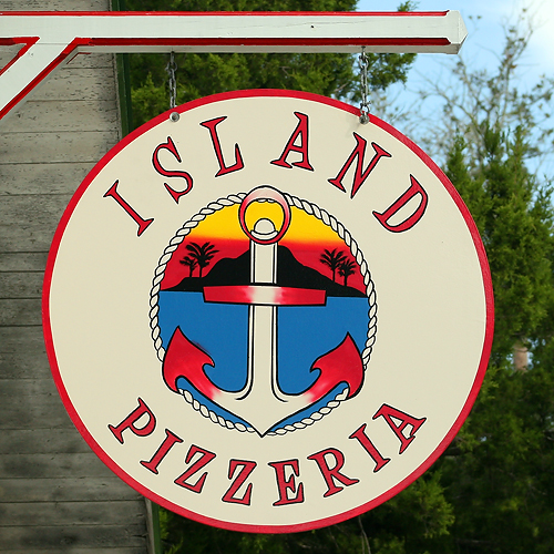 Island Pizzeria Sign