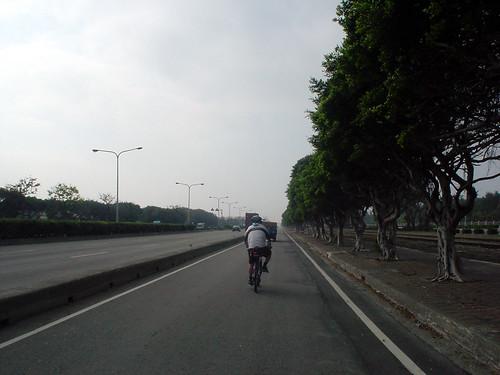 07.台17線在台中港區分為快慢車道