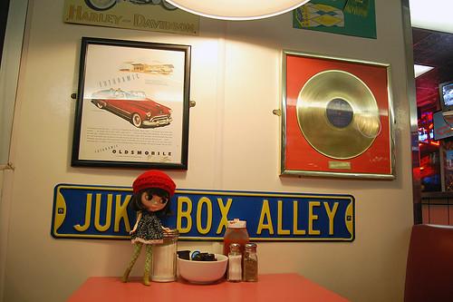 JUKE BOX ALLEY!