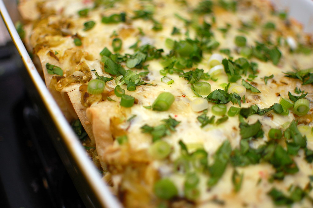 Pink Parsley: Chicken Enchiladas Verdes