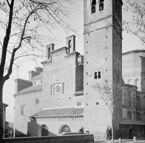 Iglesia de Santiago del Arrabal de Toledo a finales del siglo XIX. Fotografía de Alexander Lamont Henderson