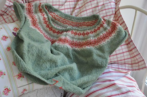 not-quite-elizabeth-zimmerman's-fair-isle-yoke cardigan | Anna ...