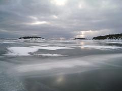 Skridskotur Ingaröfjärden - Lilla Husarn (Anders Sellin) Tags: winter snow cold ice sweden stockholm skating skate sverige archipelago lilla skärgård longdistance ingarö skridsko husarn