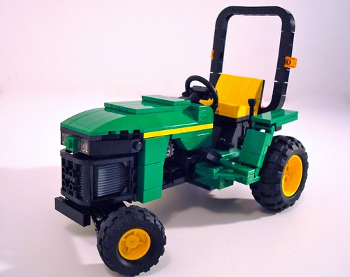 Lino Runs Like A Deere The Brothers Brick The Brothers
