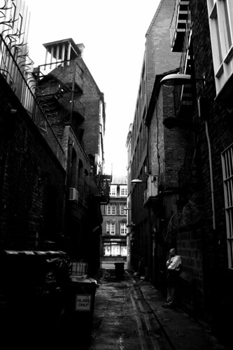 Bow Lane - Alleyway B&W