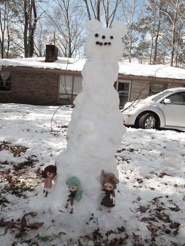 Let's make a snowman together!