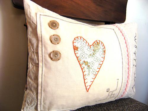 Smitten cushion
