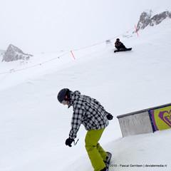 P0191520 (Pascal Gerritsen) Tags: park terrain snow ski jump media box board sneeuw 360 slide 180 snowboard pascal roxy boardslide zellamsee kicker zevenaar funpark kaprun skin kitzsteinhorn deviate gerritsen deviateart roxypark deviatemedia