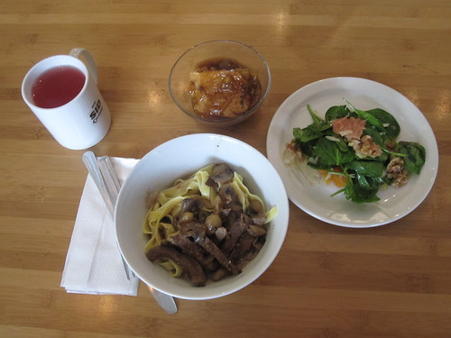 Stroganof beef with noodles, salad, lemonade, poudding chômeur