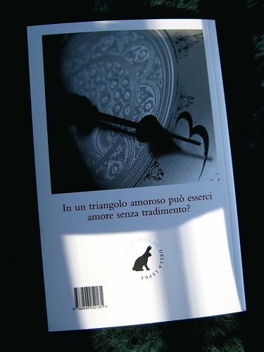 Violet Keppel Trefusis, Broderie Anglaise, La lepre edizioni 2010; prog. grafico: Francesca Schiavoni; alla q. di cop: imm. fotog. b/n non attribuita (part.), 1