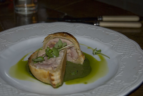 bistro vue_quail and foie gras pithivier