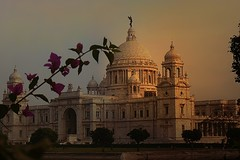 Passions of the past ! (Lopamudra!) Tags: sunset india beauty architecture evening twilight memorial cityscape sundown dusk victoria structure queen kolkata calcutta raj lopamudra abigfave platinumphoto