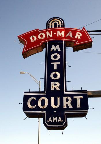 don-mar motor court neon sign