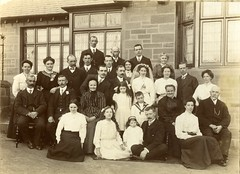 Image titled Andrew and Anne Brown family group shot 1904
