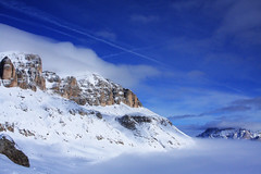dal Passo Pordoi (saveriox) Tags: reflex cielo nebbia montagna dolomiti passopordoi 40d