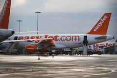 G-EZFT - 4132 - Easyjet - Airbus A319-111 - Luton - 100105 - Steven Gray - IMG_6069