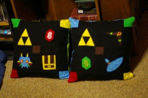 Zelda pillows for the kids!