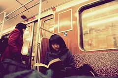 concentrate (donchris!™) Tags: street woman berlin germany subway deutschland photography donna mujer metro femme métro u ubahn alemania frau bahn allemagne metropolitana fuoco germania concentrate kobieta untergrundbahn niemcy konzentrieren concentrer concentrar skupiać
