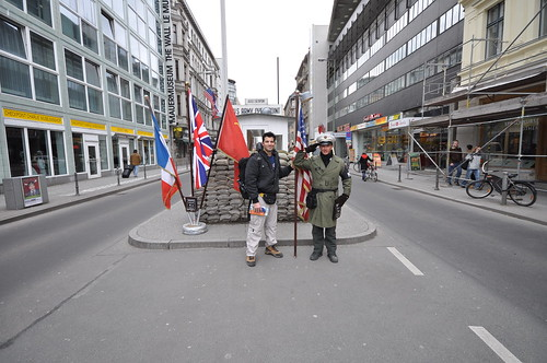 Checkpoint Charlie by Jorge Lascar