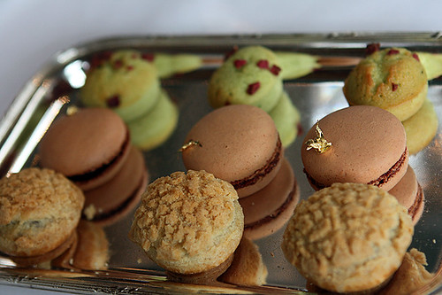 macarons, paris-brest, financiers