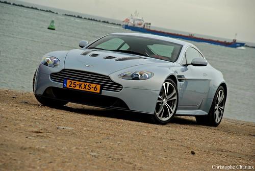 Aston Martin V12 Vantage ''Mako Blue''