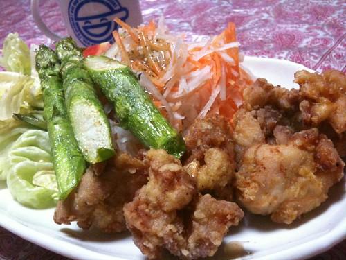 #jisui カレー粉入り唐揚げとアスパラ揚げ!