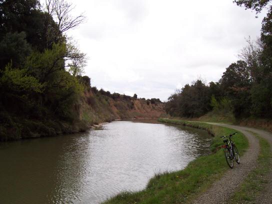 canal_du_midi_high_side