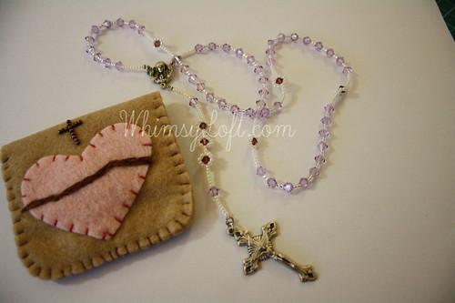 Rosary & felt pouch