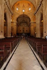 L'Habana - Catedral (lafranci) Tags: church canon eos cathedral cuba catedral wideangle tokina chiesa habana grandangolo 2010 cattedrale caraibi lavana 1116 eos40d tokina1116 lafrancy carrebeans lhabanavieja