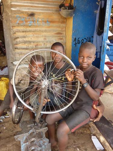 Wheel-builder