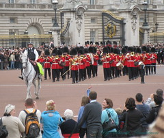 British Army Parading in London, they do it in Moscow too.... (Sunciti _ Sundaram's Images + Messages) Tags: england horses london animals army guards 1001nights buckingham soe cavalry blueribbonwinner 10faves 5photosaday distellery abigfave anawesomeshot colorphotoaward aplusphoto agradephoto brillianteyejewel brilliantphotography rubyphotographer overtheshot abovealltherest mallimixstaraward elitephotgraphy capturethefinest winklerians