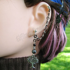 Silver and Black Cartilage Chain Earring - The White Tree
