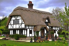 Chocolate-box cottage (Anna Richards') Tags: cottage thatch thatchedcottage chocolateboxcottage