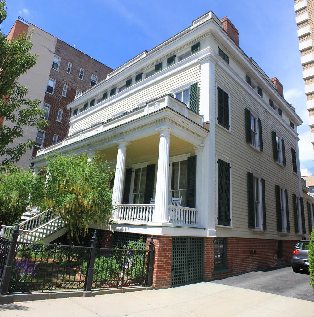 Bennet-Farrell-Feldman House