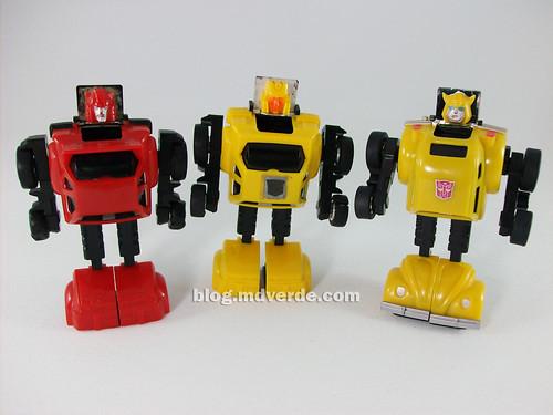 Transformers Hubcap G1 vs Bumblebee vs Cliffjumper - modo robot